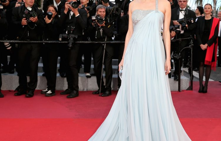 Diane-kruger-armani-prive-gown-chopard-high-jewellery-wedding-inspired-look